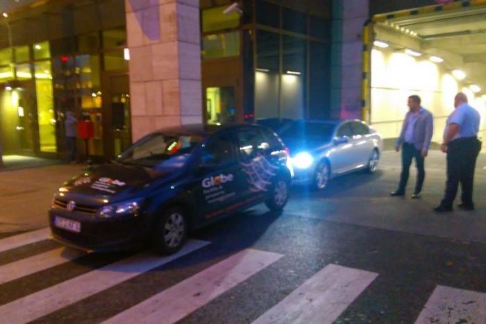 A VW mögötti Lexus, bármilyen fura, valójában semmilyen szabályt nem sért a MOM kapujában
