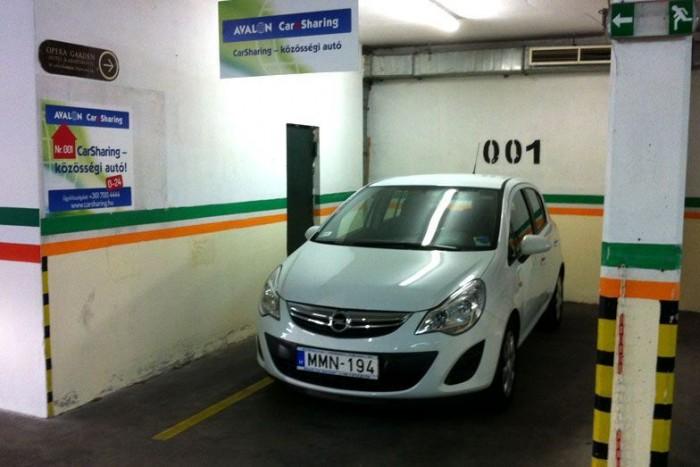 Egyelőre öt budapesti parkolóházban várják az autók a használókat