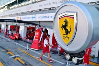 F1: Két főnököt küldött szabadságra a Ferrari
