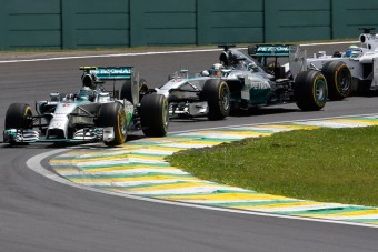 F1: Mercedes-hibrid a Ferrariban és Red Bullban?