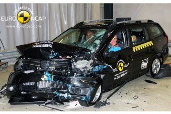 Dacia Logan: legalább a gyerek megúszhatja...