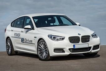 BMW sporthibrid 670 lóerővel