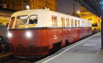 Bécsbe gurult a magyar sínautóbusz