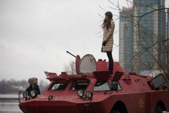 Így kell taxit csinálni egy katonai járműből