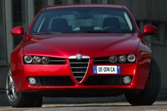 Ferrari-motorral jön az Alfa Romeo új szedánja