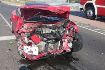 Négyen meghaltak autóbalesetben