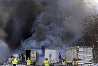 Így robban fel egy tűzijáték-szállító kamion