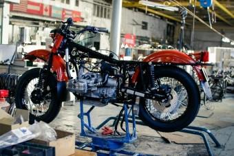 Így készült Brad Pitt motorja Oroszországban