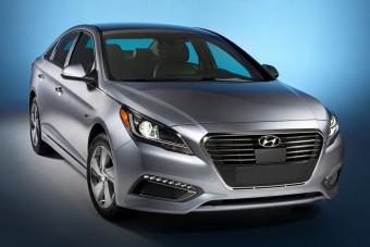 Már a Hyundainak is van konnektoros hibridje