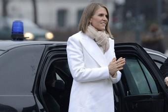 Mivel autózik az amerikai nagykövet?