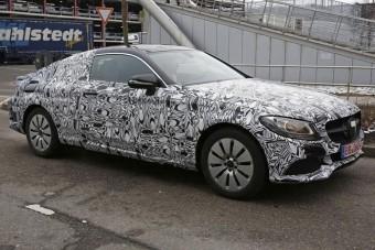 Így néz ki a Mercedes új C-kupéja!
