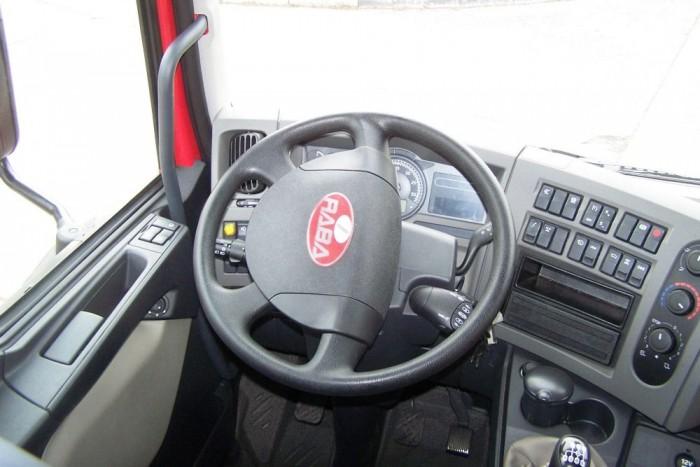A tűzoltóautóban Renault DXi7 típusú hathengeres, soros dízelmotor található, turbófeltöltéssel és töltőlevegő visszahűtéssel. A jármű AdBlue adalékanyaggal teljesíti az Euro 5-ös károsanyag-kibocsátási normák teljesítését.