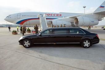 Ezzel a páncélautóval járja Budapest utcáit Putyin