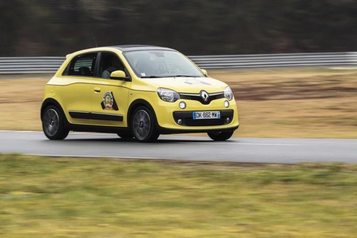 Renault Twingo - jópofa miniautó, hátsókerékhajtással