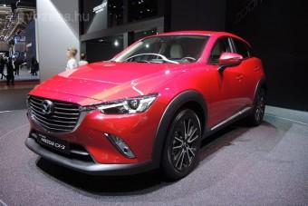 Négy literrel elmegy a Mazda kis terepese