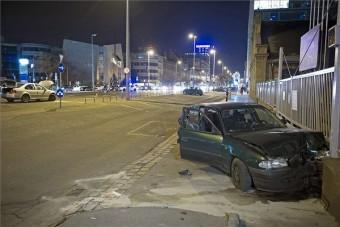 Három autó ütközött a Váci úton, súlyos sérültek
