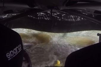 Belső kamera rögzítette a Mexikó-ralin történt balesetet