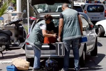 Tizenöt fegyveres támadt az ékszerszállító autókra