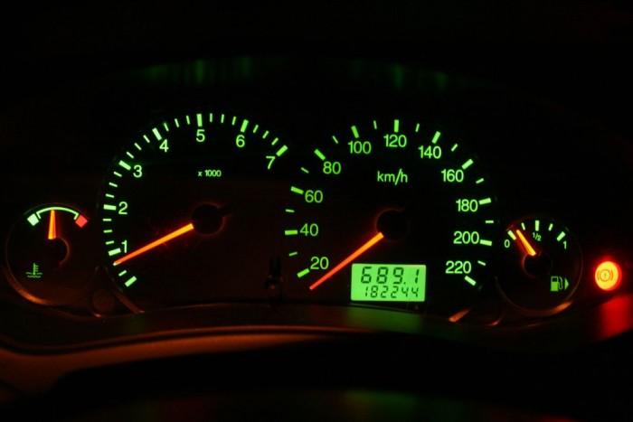 689 km után még nem volt üres a tank, a Focus 1,6 benzines autópályán beérte százon 7,2 literrel