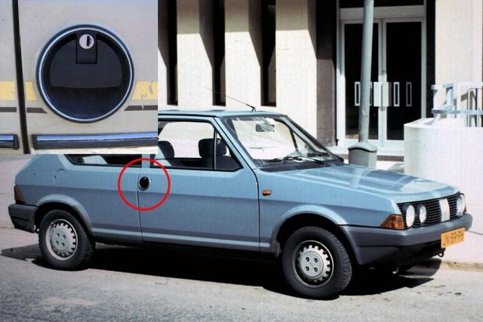 Fiat Ritmo - Kerek, szokatlan kilincsével a Ritmo si belefért a listába. Ha nem emlékeznék rá, hogy milyen rettenetes figurák jártak a 90-es évek elején itthon ilyen, végletekig lepusztult autókkal, még tetszene is ez a forma