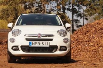 Megérkezett Magyarországra a terepjáró Fiat 500