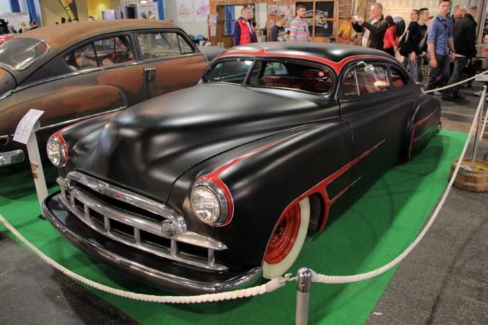Idén először a Hot-rod közösség is nagy számban képviseltette magát, a képen látható, 1949-es Chevrolet Styleline a Rusty Rodders munkáját dícséri. A helyben rendezett építők versenyén ez nyerte el az első helyet.