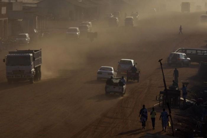 10. Szudán, 91 Ft/liter. Északon sivatag, délen esőerdő borítja a polgárháború szaggatta, fekete-afrikai országot. A Nílus-menti Szudán az ország kettészakadása után is a legnagyobb területű afrikai országok egyike, majdnem kétmillió négyzetkilométerrel