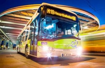 Aszfaltból tölthető elektromos buszok Németországnak