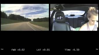 Sokkoló videó vezetés közben telefonozó tinikről