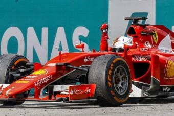 F1: Schumacherék üzentek a Ferrarinak