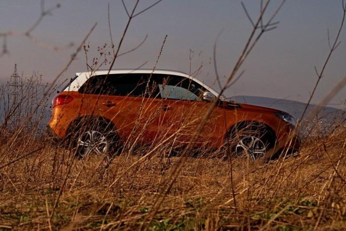 A fullextrás változatot alaposan túlárazta a Suzuki: nehéz egy ilyen kis szívó benzines SUV-ocskát 6,3 milliós autóként értékelni
