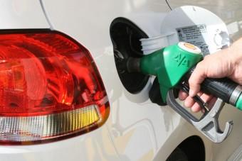 Közel van a 490 forintos benzinár