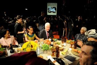 Lewis Hamilton letaposta Bill Clintont