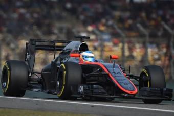 F1: Alonsónak fájt, hogy lekörözték a Ferrarik