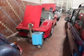 Ritka kincs egy szakadt, olasz garázsban