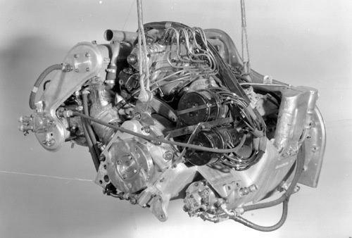 Fangio Mercedesében égetett el számolatlan liter üzemanyagot ez az egység.