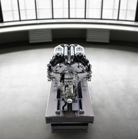 Az uralkodó, a Bugatti Veyron 16.4-ese.