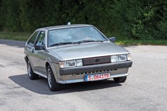 Időgép Volkswagen-logóval az elején