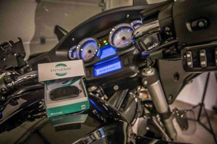 Motorkerékpárba is beszerelhető a mobilos immo