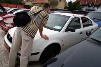 Sok a csalás az import használt autókkal