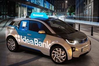 Ilyen nincs: bankautomatát építettek egy BMW-be