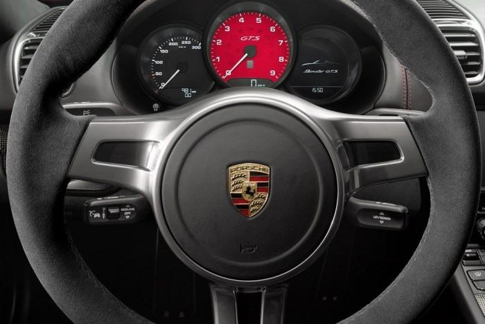 A 911-nél, Panameránál két kis órával szűkebb a Boxster műszeregysége