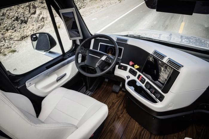 A Friegthliner megőrizte mindazt, amiért szeretni lehet az amerikai kamionokat