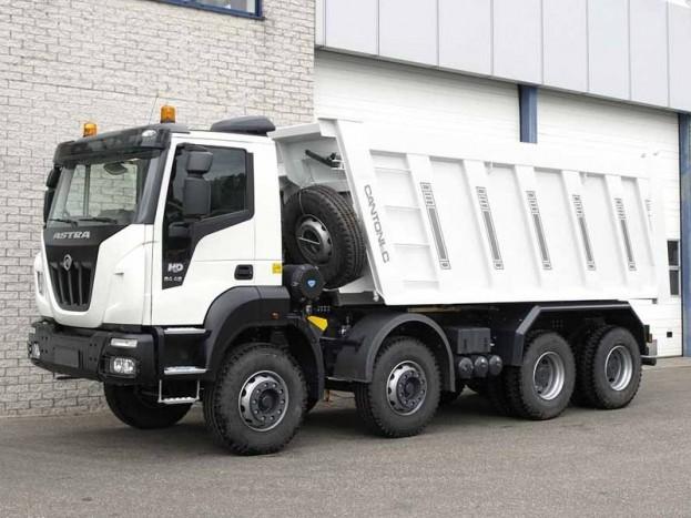 Ettől az évtől kezdve az Astra nehézkategóriás haszonjárművek is megvásárolhatók Magyarországon