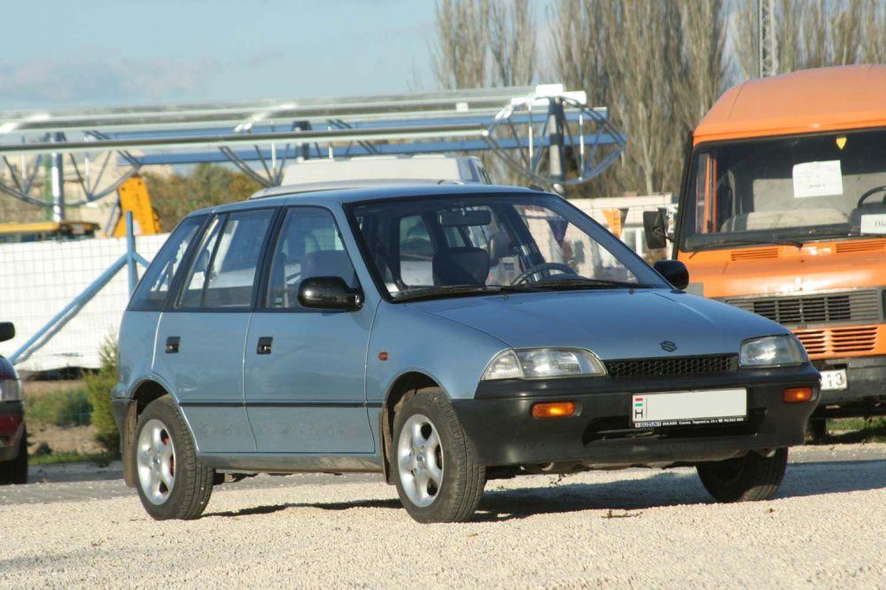 9a29b67d2dab Rendes csomagtere csak a Sedannak van, ezek felszereltsége is jobb, mint a  GA szinten