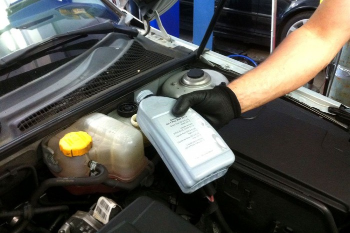 Mercedes fékolajat kap a Saab
