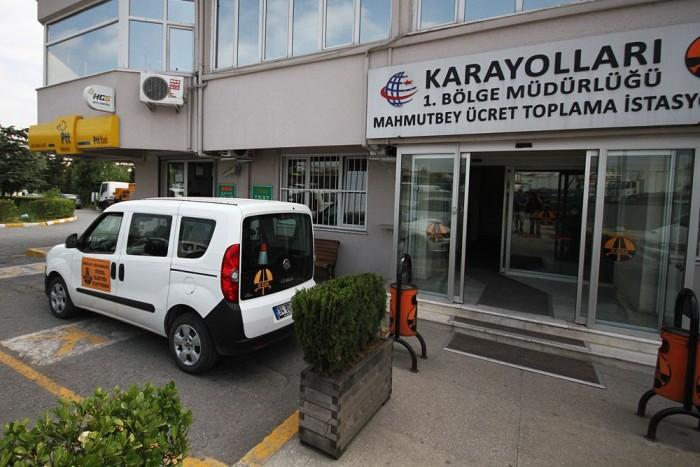 A határtól Isztambulig eljutottunk autópályamatrica nélkül. Senki nem akart megbüntetni, itt ez belefér, elég valamikor megvenni.