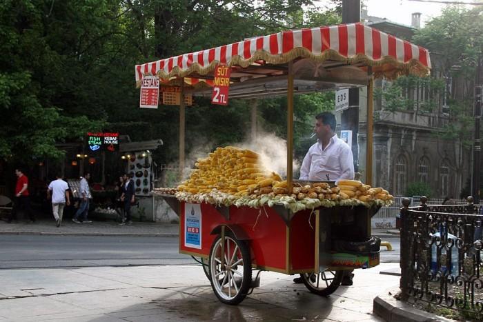 Rengetegféle étel szerezhető be az utcai árusoktól