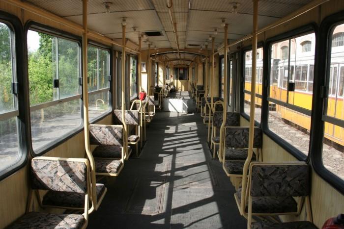 Az az ember érzése, mintha utasok nélkül, de most tök ugyanazt látná, mint ma, egy forgalomban közlekedő átlagos villamoson