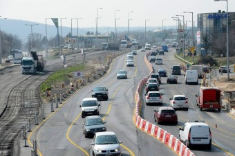Még több dugó a Budaörsi úton